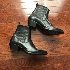 Frye Sasha ankle boots size 9